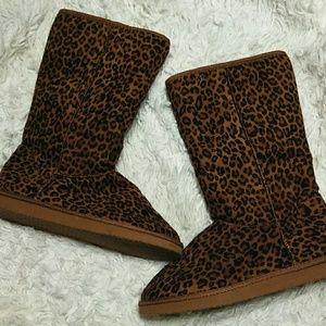 Shoes - Leopard print boots